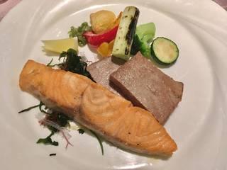 マグロ&サーモンのステーキ食べ放題コース