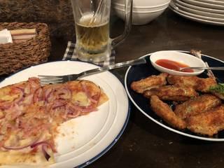 ベーコンオニオンピザ