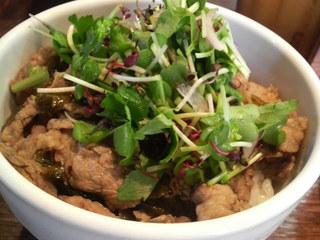 牛肉高菜飯