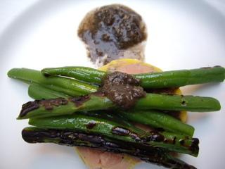 フォアグラのテリーヌ 土とトリュフのソース