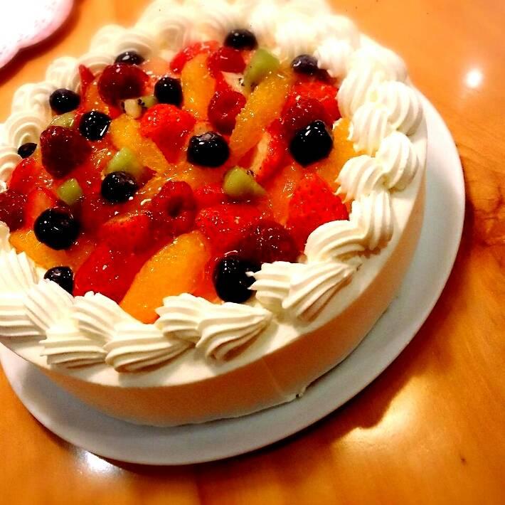 パティシエ自慢のホールケーキ