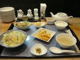 カニと湯葉の玉子とじご飯ランチ