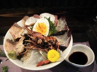 ぶっちぎり炙り海鮮丼