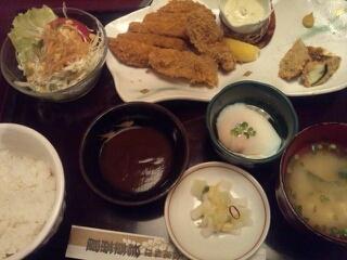 メンチカツと牡蛎フライ定食