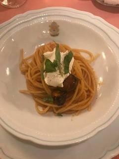 茄子とリコッタチーズのトマトソースのスパゲッティ