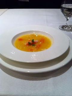 フカヒレと蟹肉入りコーンスープ
