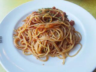 小海老とケッパーのトマトソース・スパゲッティ