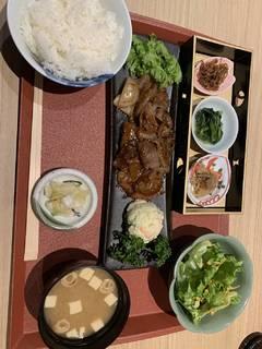 ホエー豚生姜焼き