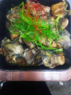 熟成鶏の炭炙り焼き