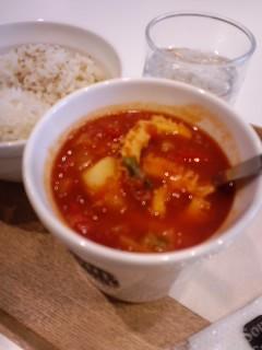 牛トリップのバスク風トマト煮込み