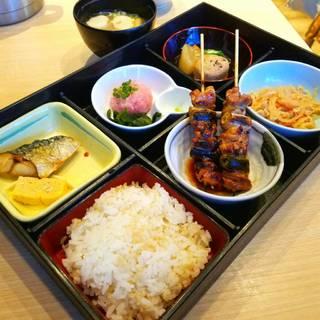 焼鳥御膳(小鉢・サラダ・新香・味噌汁)