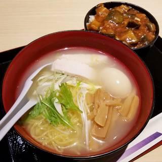 鶏塩ラーメン(ミニ麻婆茄子丼付き)