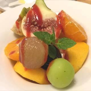 季節のフルーツサラダ