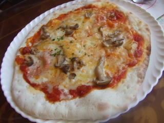 フンギのピザ