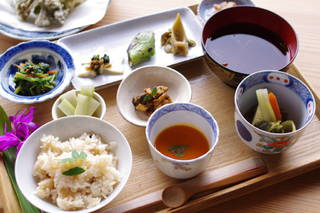 春の野菜、山菜のコース料理