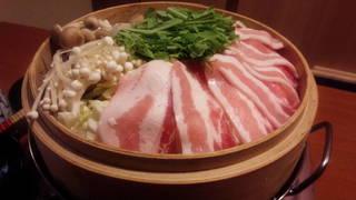 豚バラ肉と旬野菜の蒸篭蒸