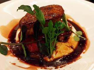 鳥取和牛フィレ肉とフォアグラ、トリュフのロッシーニ風