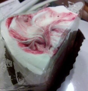 ストロベリーシフォンケーキ