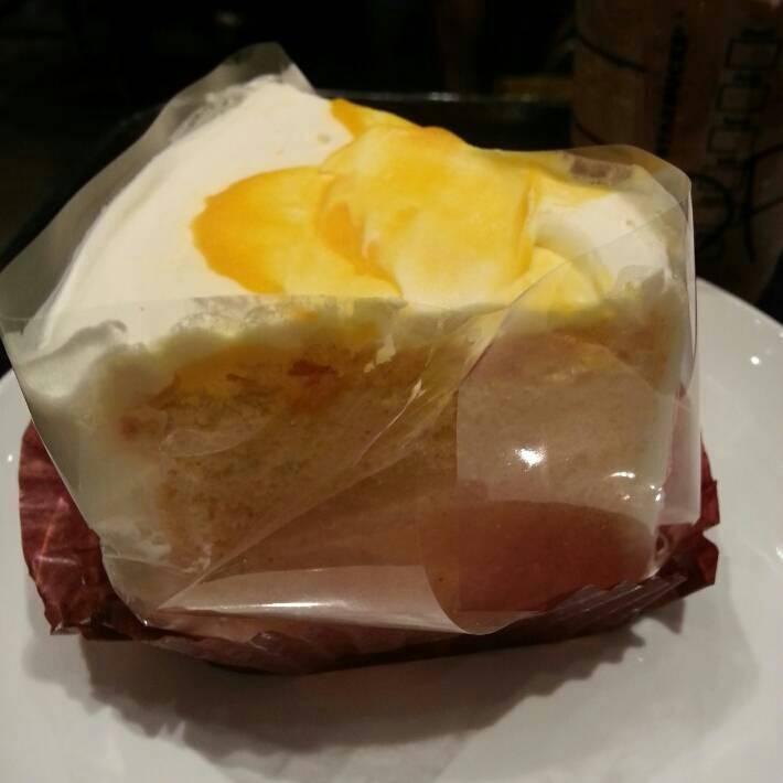 マンゴーシフォンケーキ