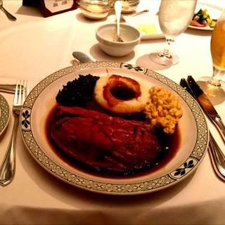 12種のシュラスコ料理とブェッフェ