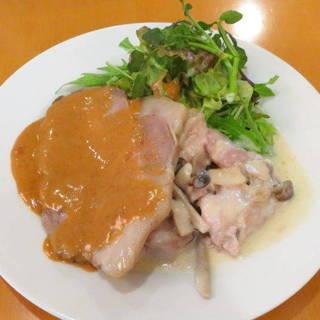 ローストポークと鶏ももとキノコのクリーム煮