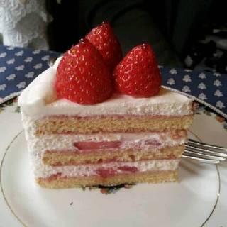 苺のショートケーキルージュ