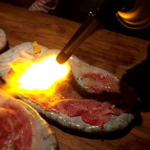 霜降り和牛の炙り寿司