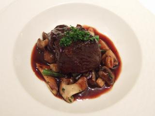 黒毛和牛ホホ肉の赤ワイン煮込み
