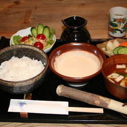 加賀丸いも麦とろ 流木ギャラリー 陽菜