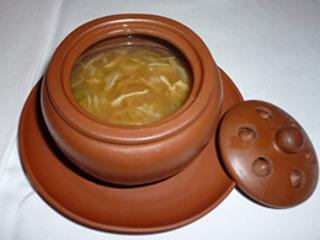 蟹肉入りふかひれスープ