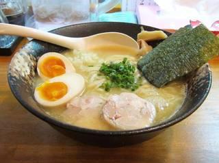 味玉濃厚鶏白湯