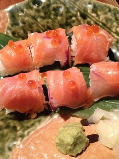 生ハムとサーモンの彩り棒寿司