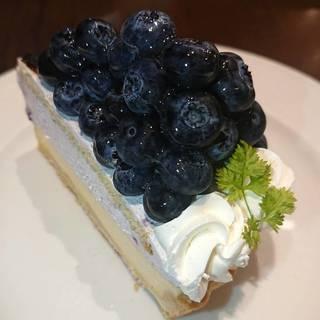 ブルーベリーたっぷりレアチーズケーキ