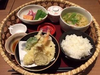 花籠と小麺セット