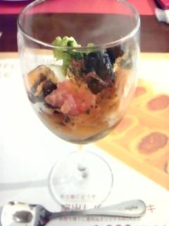茄子のコンフィとサーモンの取り合わせ生海苔風味のジュレ