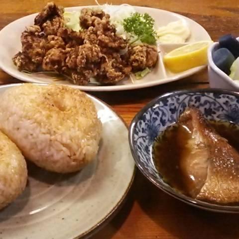 鶏の唐揚げ焼きおにぎり煮魚