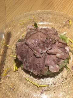 雪室熟成豚レバー瞬間スモーク シェリービネガーを添えて