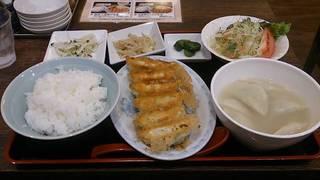 焼餃子水餃子定食