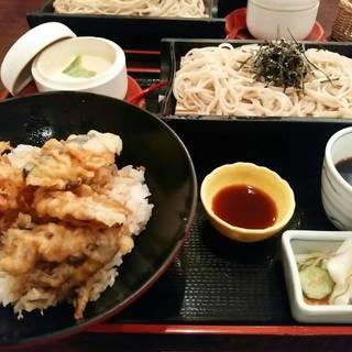 桜海老かき揚げと野菜の天丼膳