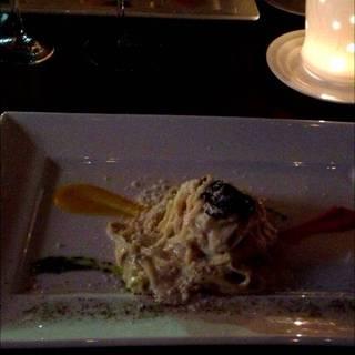 トリュフ薫るボルチーニ茸のクリームソース タリオリーニ