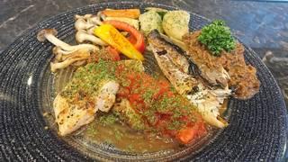 ランチ  鮮魚の鉄板焼 特性ソースがけ