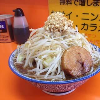 醤油ラーメン(野菜増し・ニンニク増し増し・濃いめ)