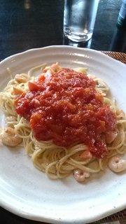 チーズとトマトのトマトソースパスタ