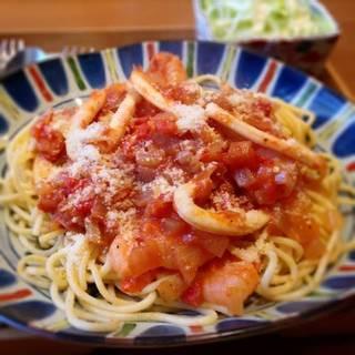 シーフードスパゲティ珈琲サラダ付きランチ