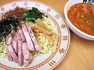 赤いつけ麺