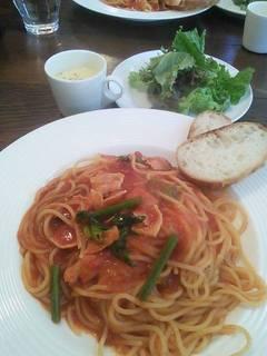 ベーコンとほうれん草のトマトソーススパゲッティ