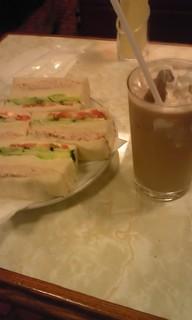 ツナと野菜のサンドイッチ