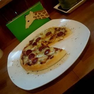 ミートソースピザ