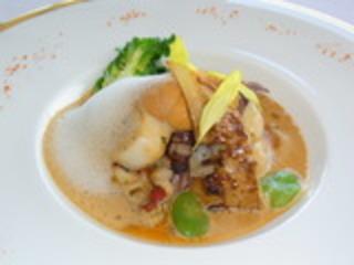 オマール海老 蛍烏賊 帆立のフリカッセ 新芽の春野菜と潮灘のヴェール