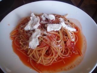 クリームチーズのトマトソース